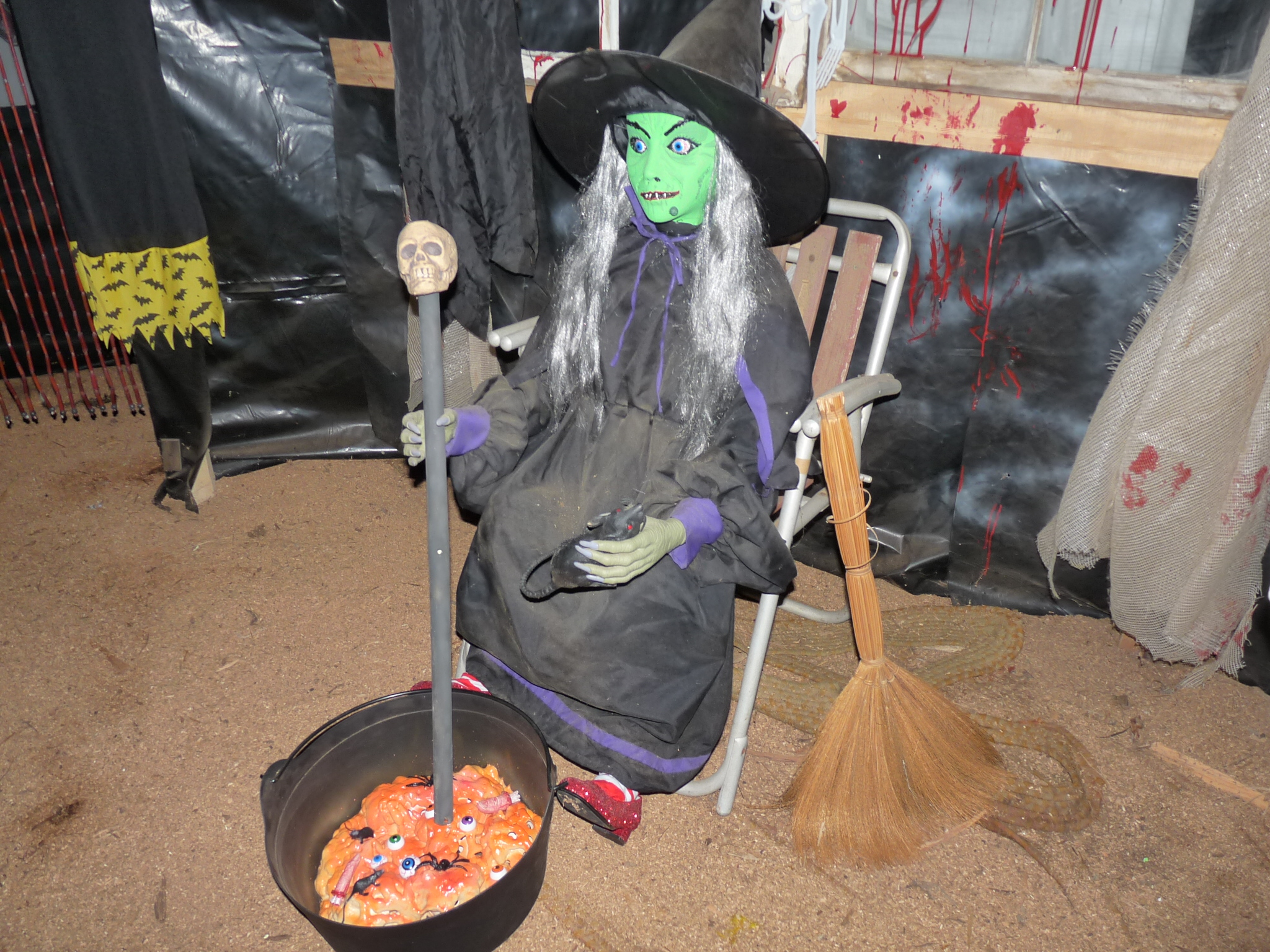 witches caldron - Halloween Decorations For A Party